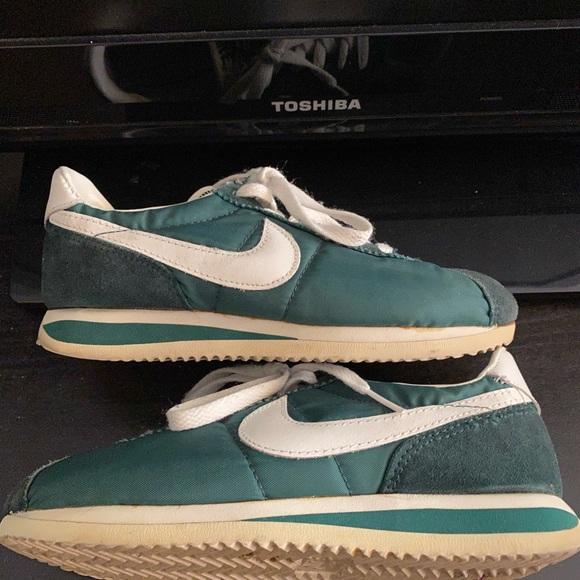 Glamour consola Cliente  Nike Shoes | Vintage Nike Sneaker | Poshmark